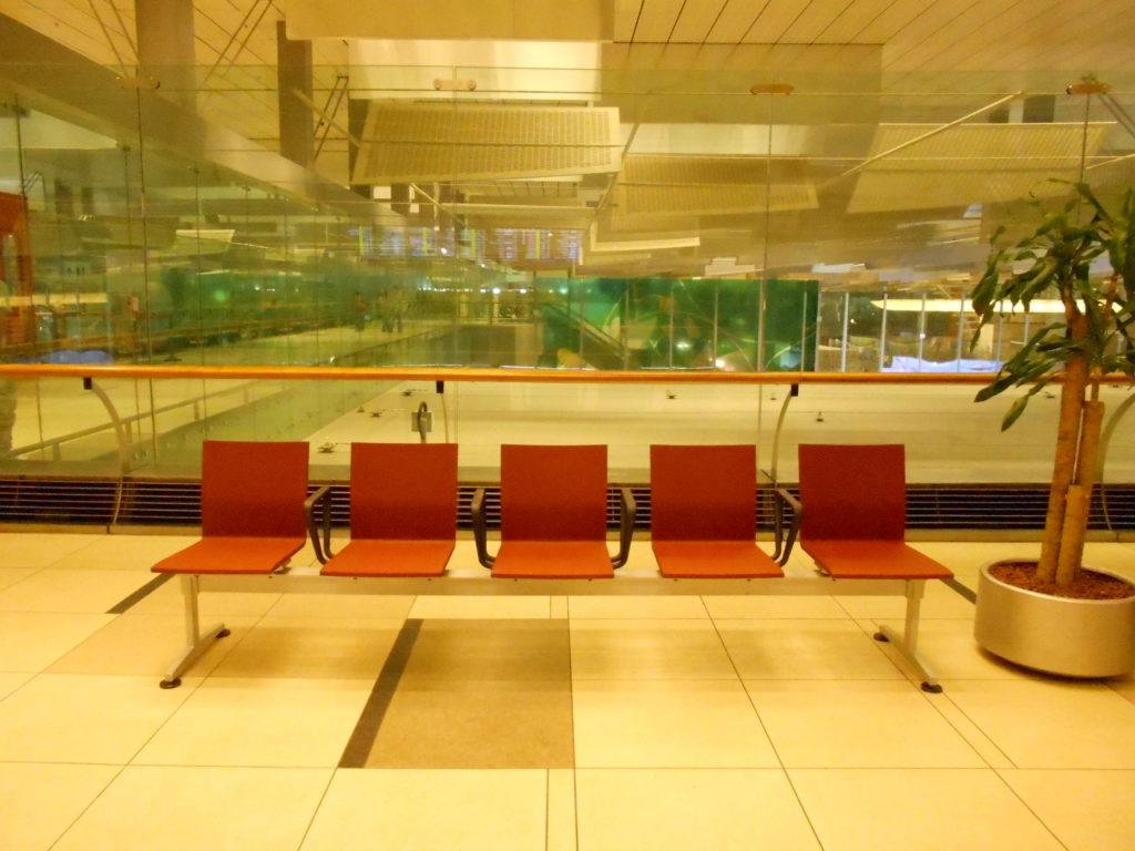 ターミナル2 イス
